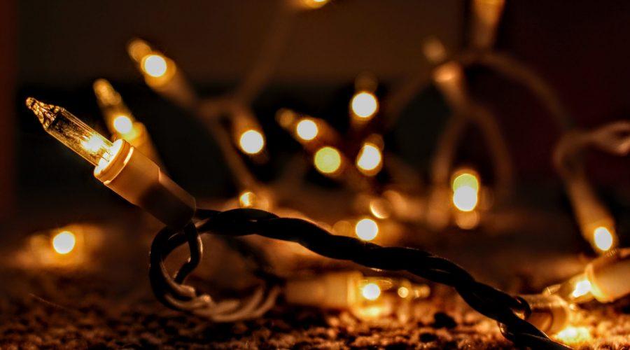 yellow-lit-string-lights-921604